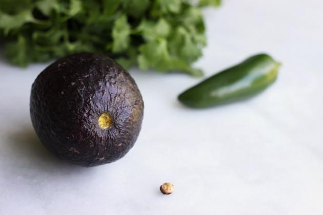 How-to-Choose-the-Perfect-Avocado-3-e1401548462491