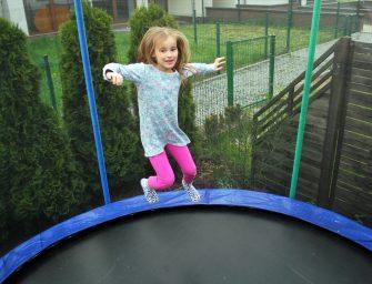 Sprawdź, jaki błąd popełniliśmy przy wyborze trampoliny i jak wybrać najlepszą?