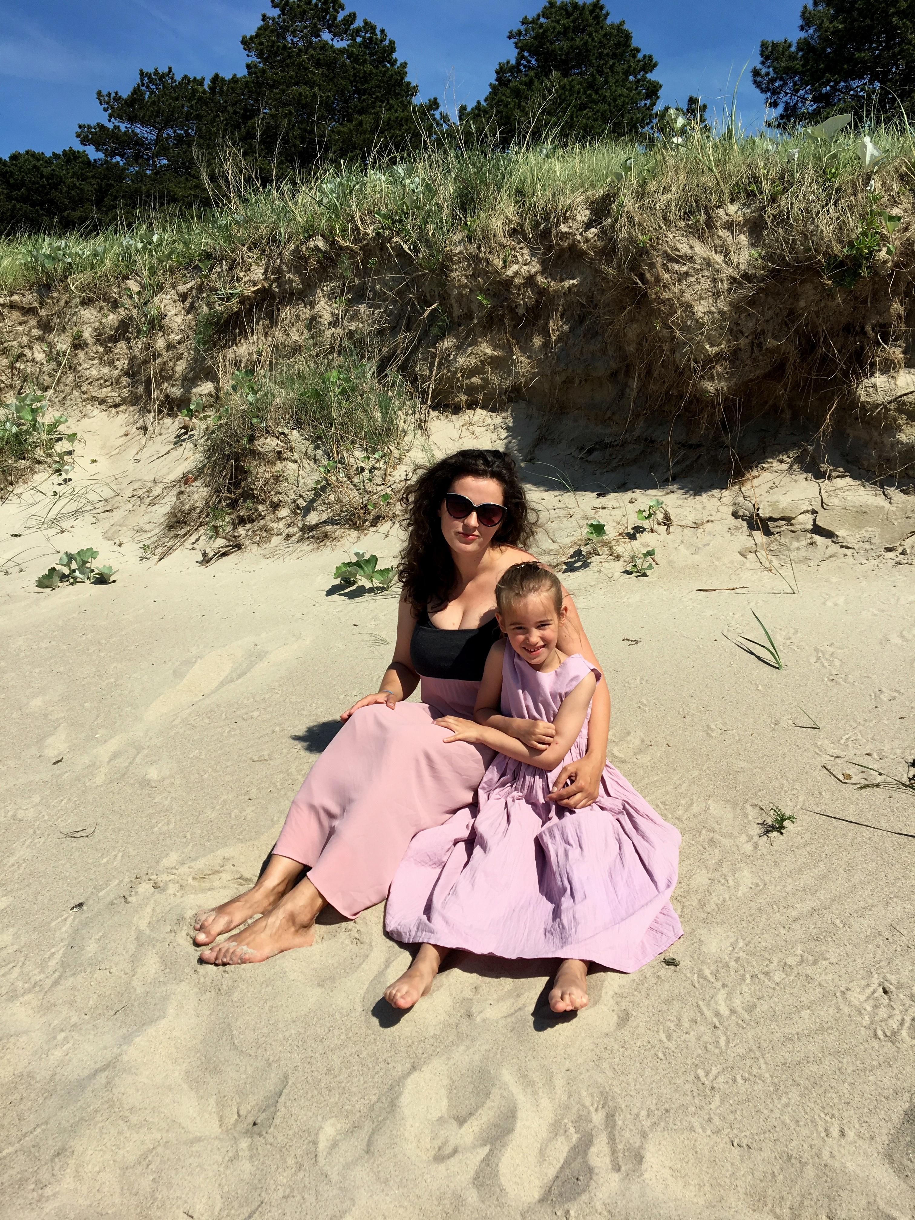 mama i córka, plaża