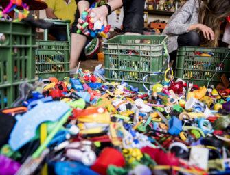 Jak kupować, sortować i wymieniać zabawki dziecku?